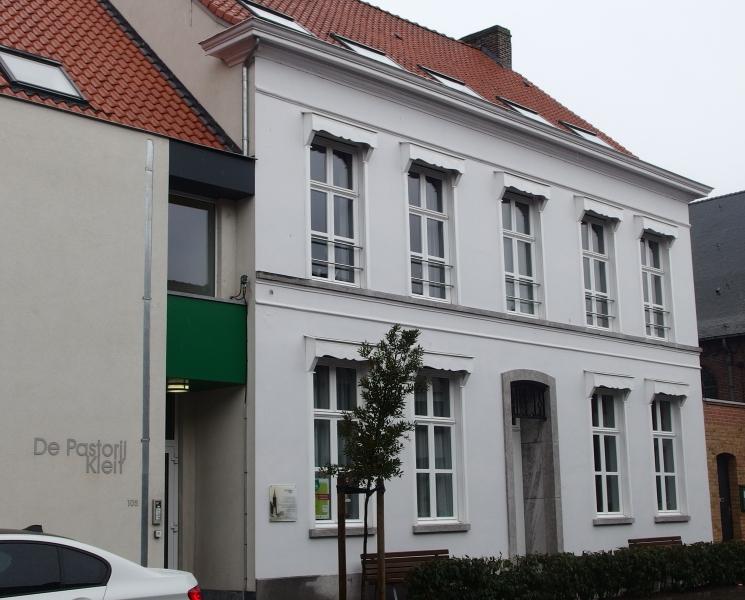Schilderwerken gevel ocmw maldegem woonzorgproject schilderwerken martledeco - Oude huis gevel ...